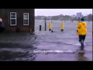 ハリケーンで街が大洪水になったからジェットスキーで出動してみた