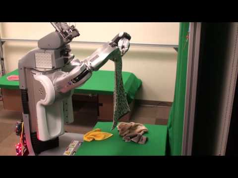 洗濯物を自動でたたんでくれる夢のロボット誕生! しかし・・・