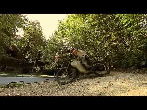 レース用電動バイクのバーンナウトはこんな感じ