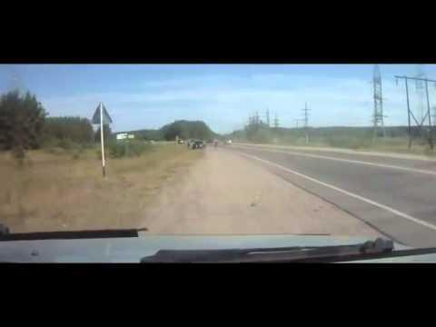 トラックからロシア人兵士がワラワラ出てくる~~ 何人乗ってるの?