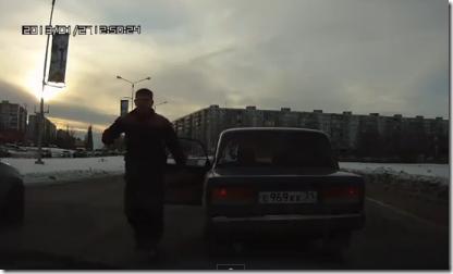 道路でDQNに絡まれた時の仕返し方法。ロシアの場合