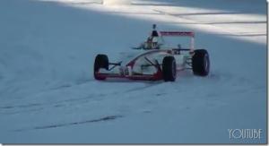 ロシア軍用車のテストドライブ、この走破性は凄い!