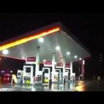 おそロシアw 強度を全く計算しないで造ったガソリンスタンド