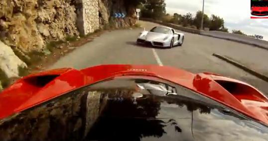 V12サウンドが気持ち(・∀・)イイ!! ラ・フェラーリVSエンツォ・フェラーリ モナコの街を走る