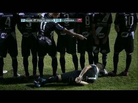 女性による美しいサッカー技コンピレーション