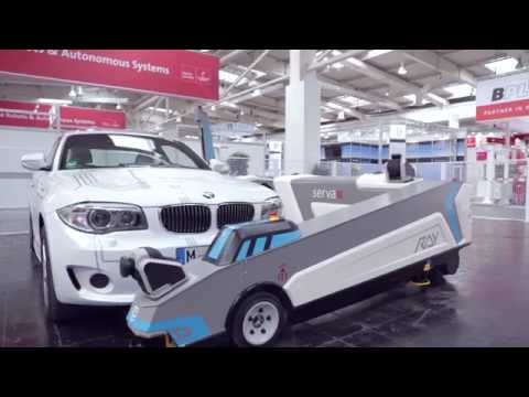 全自動で効率よく駐車してくれるドイツのロボットが凄い!