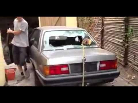 これはヒドイ・・・おそロシア流のネコ救出方法