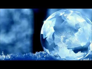 シャボン玉が凍る瞬間が美しすぎる・・・