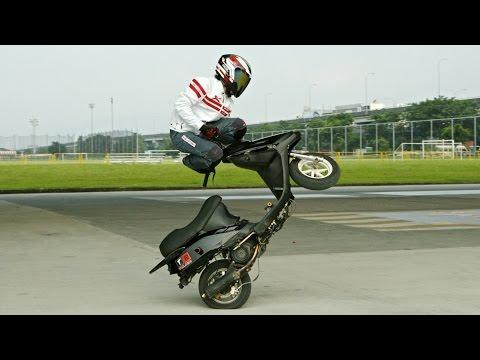 """モトクロバイクで""""スキーのジャンプ台""""を飛んでみた!!"""