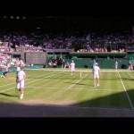 テニスでボールが場外へ、キャッチした人が意外な人で盛り上がる