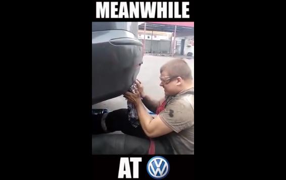 VWディーゼルの排ガスはキレイな排ガス!顔面で受け止める強者現る