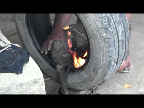 フィリピン式自動車のパンク修理