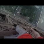 エッフェル塔を命綱なしで登ってみた