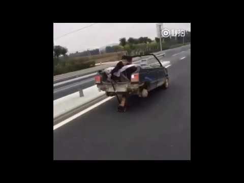 中国で後輪のない車に遭遇w どうやって走っているかというと・・・
