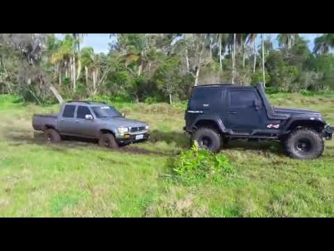 泥にはまった車を助けに行ったかと思いきや・・・