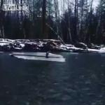 川の流れに身を任せる釣り人・・・