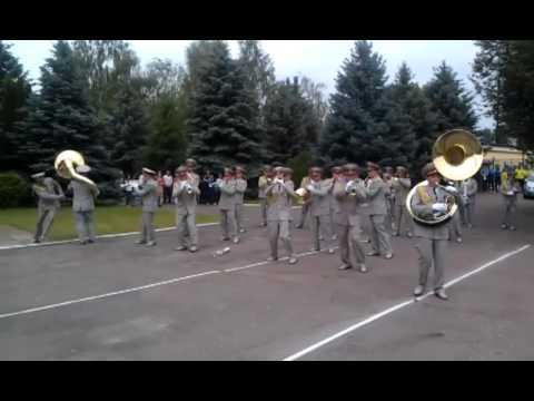 ウクライナ軍音楽隊による演奏をご覧ください