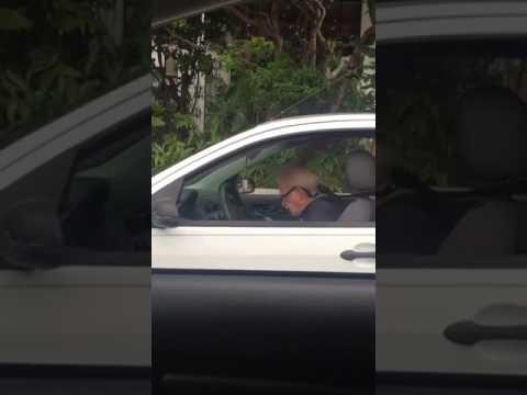 メタリカ好きのおじいちゃんが運転中に聞くとこうなる
