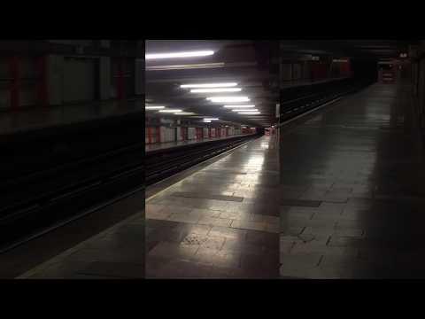 メキシコ地震発生後の地下鉄の駅