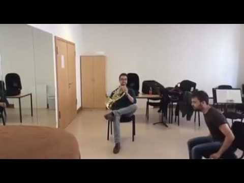ホルンとデュエットする楽器w