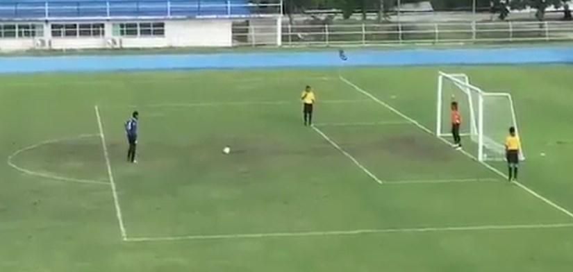 とある草サッカーのPK
