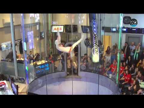 インドア・スカイダイビングのスーパーテクニック