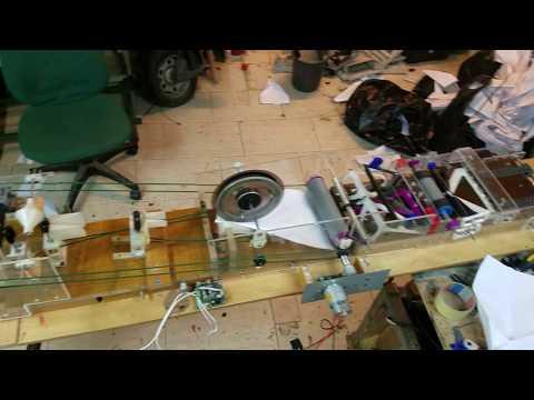 紙飛行機製造マシーン