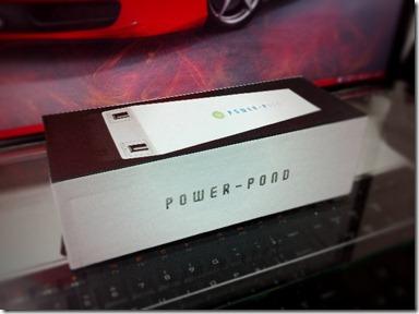 【プチレビュー】iPhone4を8回充電可能な12000mAhの超大容量バッテリーが届きました。