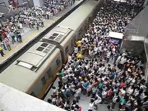 北京の地下鉄。朝のラッシュアワーがヤバ過ぎると世界中で話題に