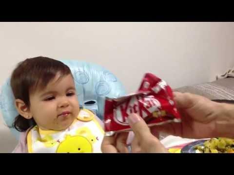 食べるのをイヤイヤする赤ちゃんに食べさせる方法