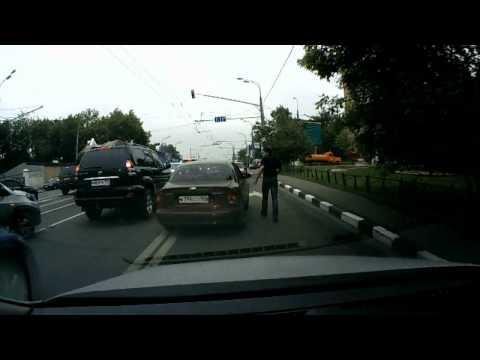 ロシアのドライブのお供はやっぱりバット