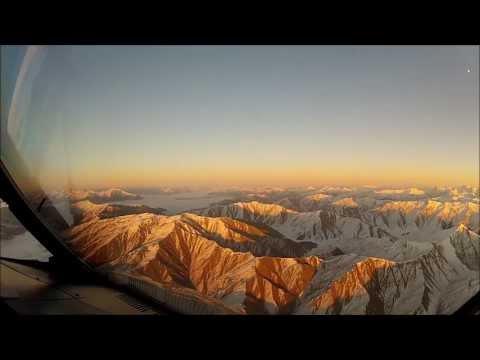 まるでラピュタのワンシーン・・・ 雲海の上から着陸