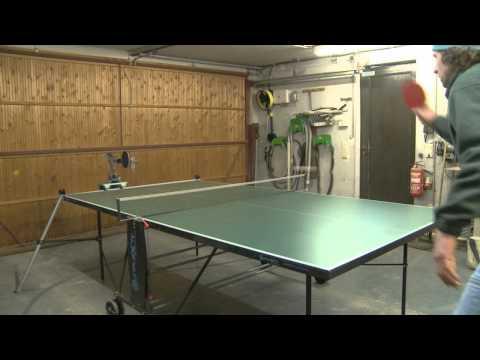 練習相手に卓球ロボはいかが?ロボ同士の試合も可能になるかも。