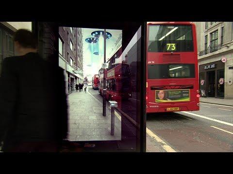 ペプシが仕掛けたバス停広告が面白すぎる!!