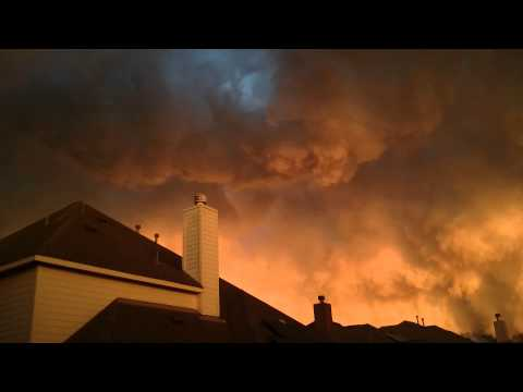 世界の終わりのような空がテキサスで撮影される