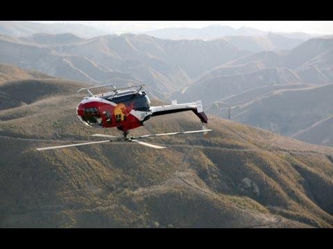ヘリコプター・アクロバット飛行の達人チャック・アーロンの操縦テクがヤバイ!