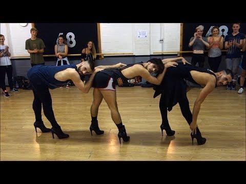 ハイヒールを履いて踊る男達の熱いダンスを見よ!