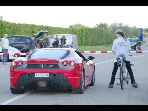 世界最強のチャリ、フェラーリを置き去りに・・・