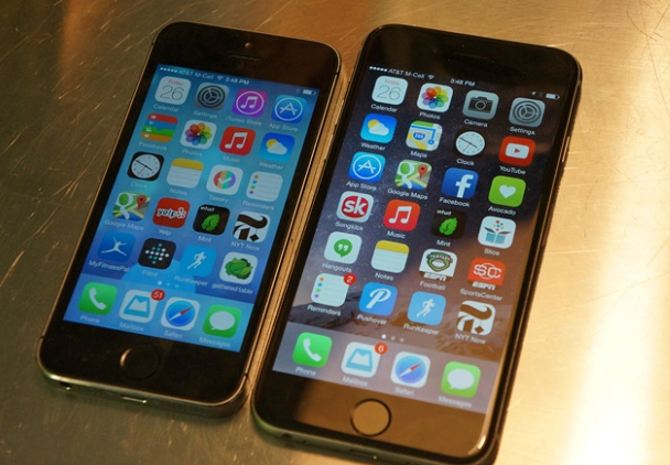 「俺の友人の韓国人ワラタw」と「2015年に4インチのiPhone 6s miniが登場」ほか