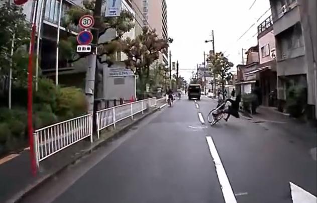 「いいこ いいこ」をおねだりするネコ達がカワ(・∀・)イイ!!