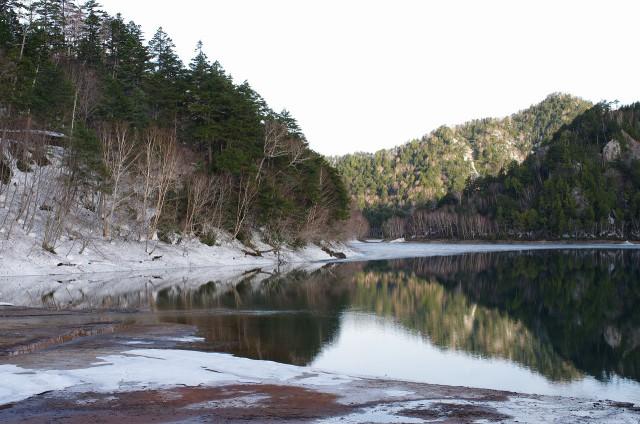 夜は氷点下・・・まだ雪が残る菅沼キャンプ村で遊んできました