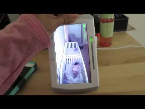赤ちゃん達を別の部屋からモニターしていたら・・・