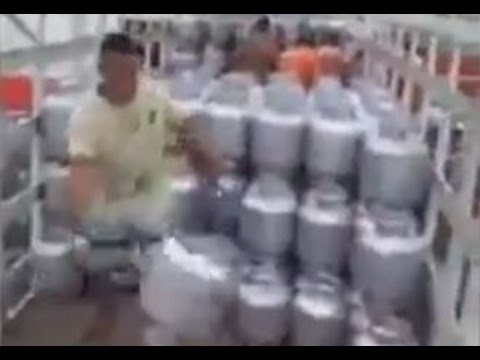 ガスタンク回収職人の技がキレイw