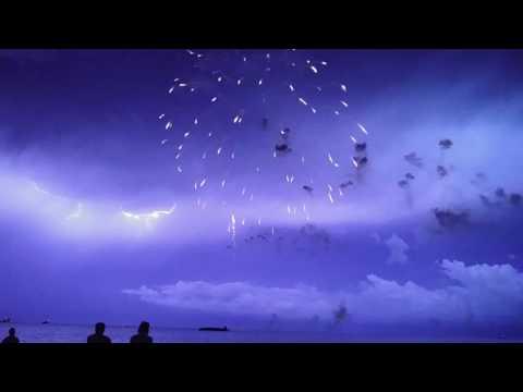 石田純一と椎名林檎のアルバムがそっくりw