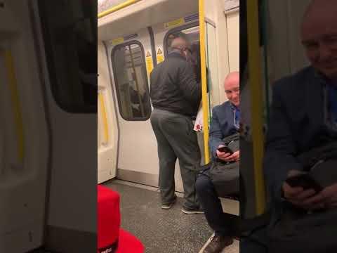 電車でボン・ジョヴィを熱唱!迷惑なヤツかと思いきや