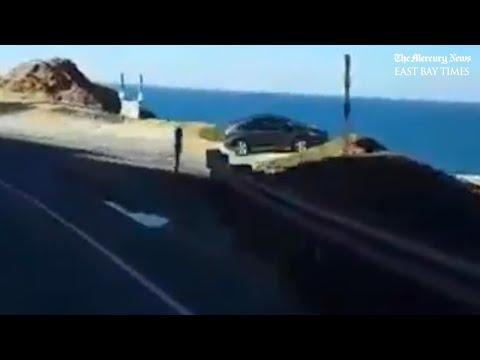 目の前を凄い車が横切った・・・