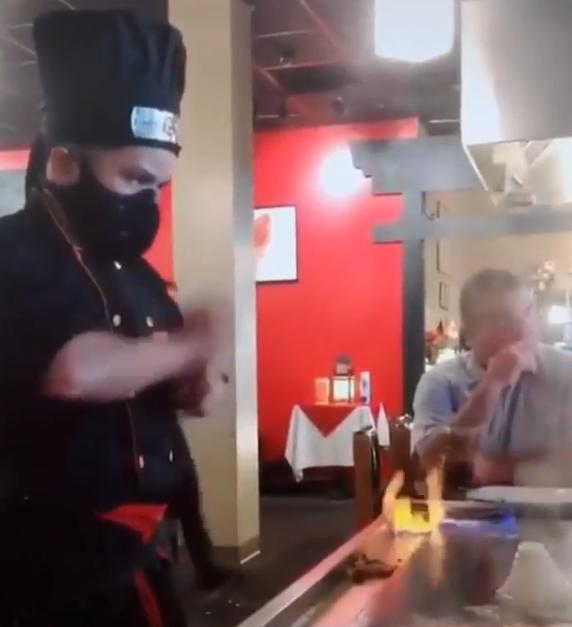 火炎の術が使える料理人