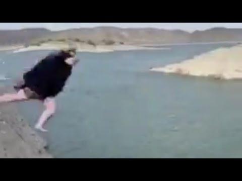 ポッチャリ女子、崖からダイブ!