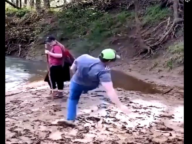 転けそうで転けないポッチャリ