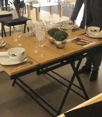 テーブルが棚にトランスフォーム
